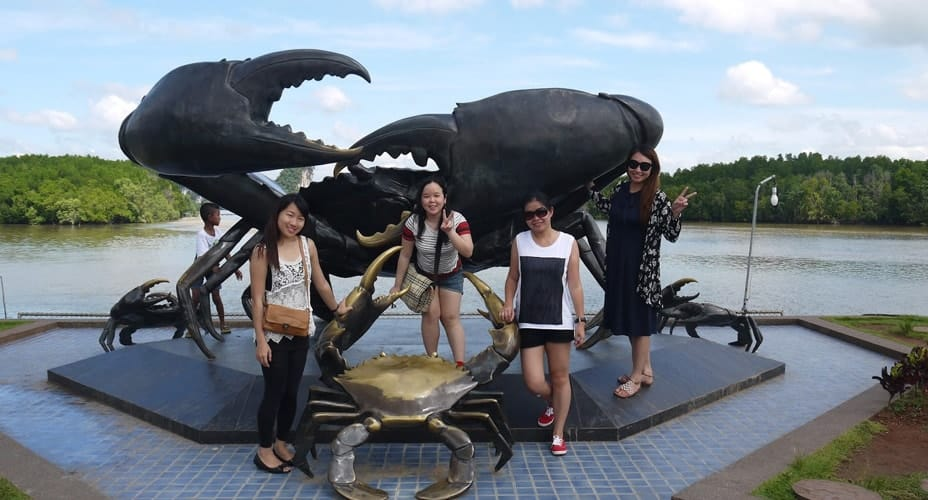 MUD CRABS STATUE krabi